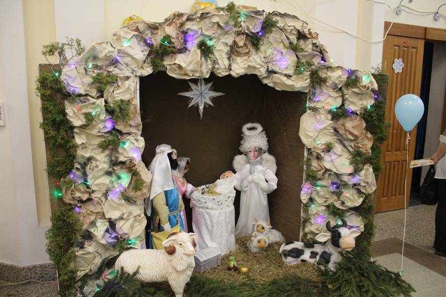 """9 января в ЯЦКР """"Звездный"""" состоялась Епархиальная Рождественская ёлка."""